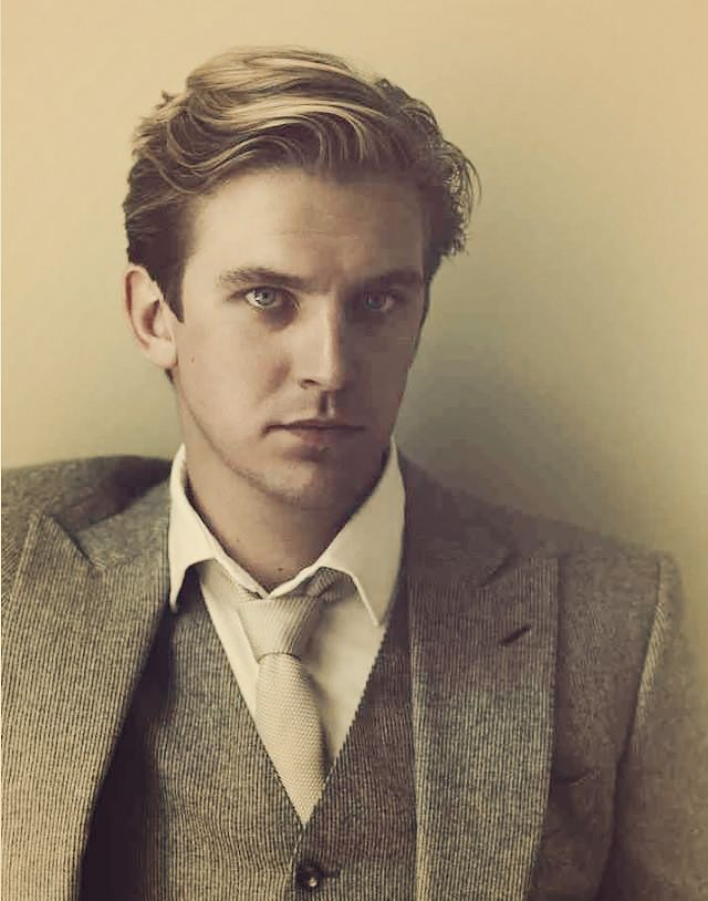 Matthew Crawley  | More Downton Abbey photos here:  http://mylusciouslife.com/historical-style-downton-abbey-photos/