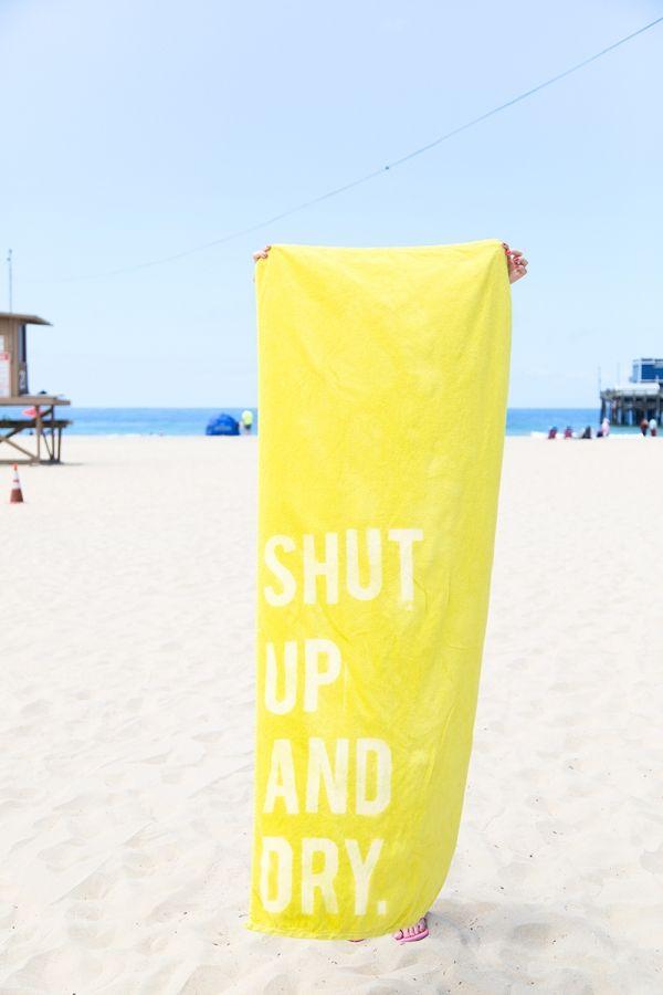 DIY Graphic Beach Towels | studiodiy.com