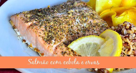 Salmão com cebolas e ervas - http://www.patriciadavidson.com.br/blog/salmao-com-cebola-e-ervas/