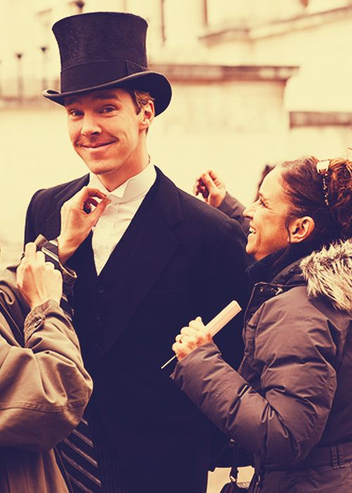Benedict Cumberpatch - It's the top hat that makes this picture so freaking amazing! =D