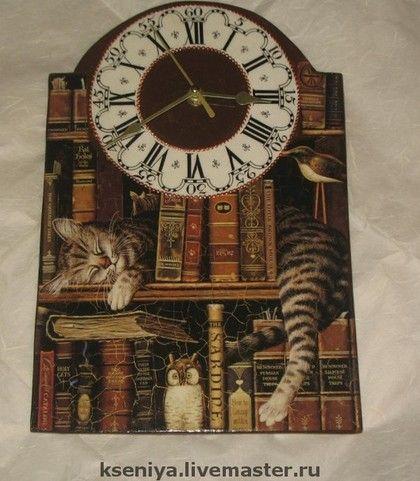 """Часы для дома ручной работы. Ярмарка Мастеров - ручная работа Настенные часы """"Читатель"""". Handmade."""