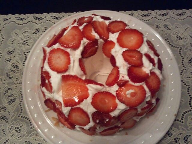 Quick desert~ angel food cake,whip cream, and strawberries~yum!