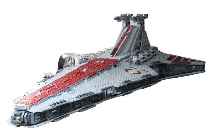 Star Destroyer : De gigantesques vaisseaux en Lego