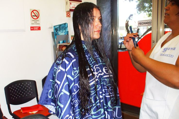 Cutting very long hair to create a new look in long hair