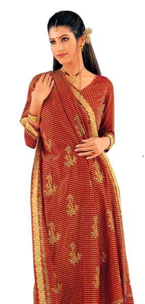 Индийские сари - женский национальный костюм Индии
