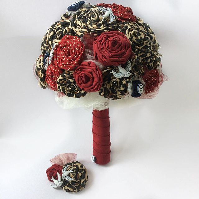 Loved making this #rockabilly #weddingbouquet and matching #bridesmaids #corsages, #groom and #groomsmen #boutonnieres. What a fab #alternativewedding that was, complete with the #bride wearing a matching #leopardprint and #redshoes! Of course there was a #circustent around and a #vwcamper too! #custommade #nantwich #cheshire #cheshirelife #swallows #anchor #rockandrollbride