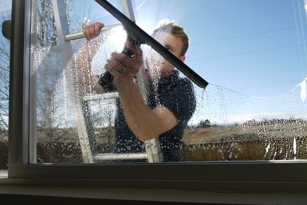 The best Window cleaners  in #cheltenham and #swindon #commercial #cleaning   #dream #UK #england #best #top #deals  #window #clean Professional Window Cleaner, Window Cleaning, Windows Cleaning FAQ,Domestic Window Cleaning,Commercial Cleaning,Cheltenham,Swindon,Gloucester,Bristol,Oxford