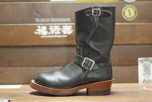 Red Wing 2268 Sizing | It's no secret that Red Wing 2268's are a popular brand. The average sale price on these boots, recently, has been around $250+. This is a pretty descent price considering what Okuyama (Hukurokuju) can do with them for about $300 extra.