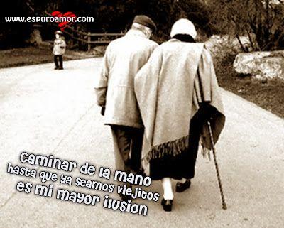 Frase de amor con imagen de una pareja de ancianos caminando juntos