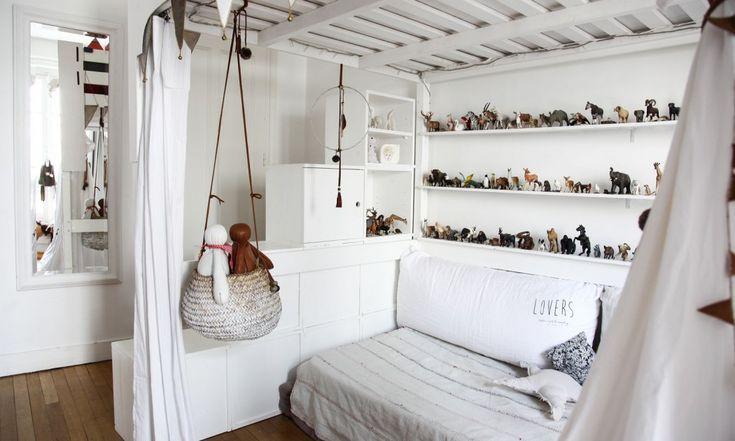 The Socialite Family | Paris | Collection de figurines animaux & poupées Pigmée | #interior #decoration #white #thesocialitefamily