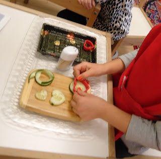 Cookie cutting cucumbers , Big , medium, small Pintrest Montessori Practical Life | Practical Life - Montessori / Slicing cucumbers with a cookie cutter