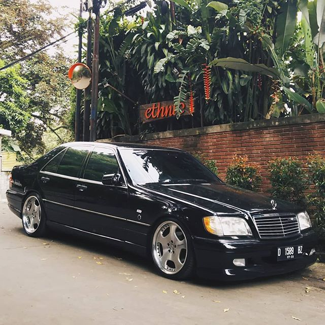 The Most Vvip Brick On The Block Here S A Black 1996 Mercedes