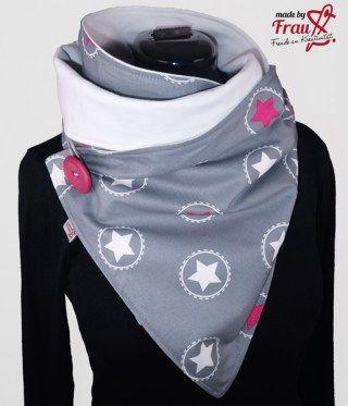 Sternen Wickelschal mit Knopf. Aussen aus 100% Baumwolle, innen aus dünnen Sweat. Optimale Kombination für die nicht ganz so kalten Tage.