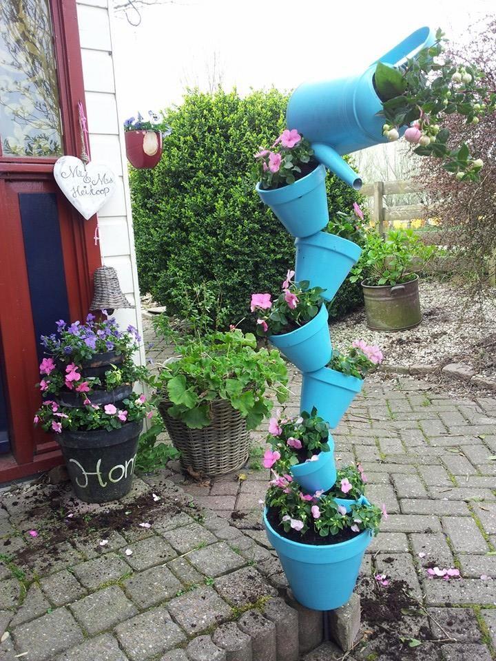 Gestapelde planten potten