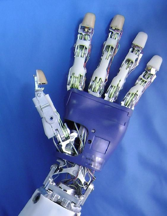 Vandoren designs robotic hand