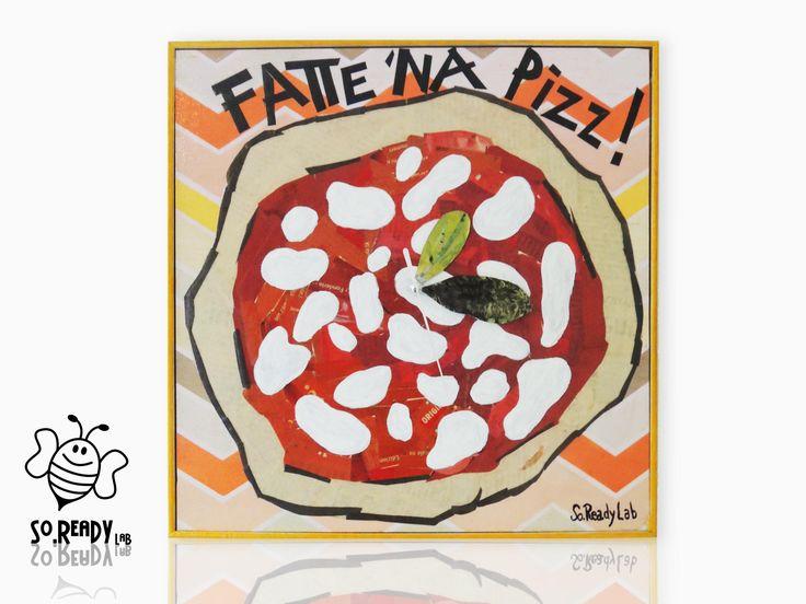 Orologio da parete realizzato con tecnica del collage riutilizzando ritagli di quotidiani. #soreadystyle #orologio #pizza #recycle #upcycle #design - di So.Ready Lab - soreadylab.etsy.com