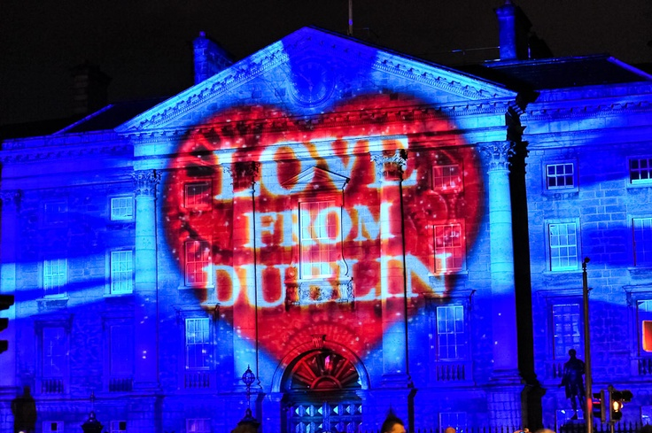 NYE Dublin Fesival - projections onto Trinity College
