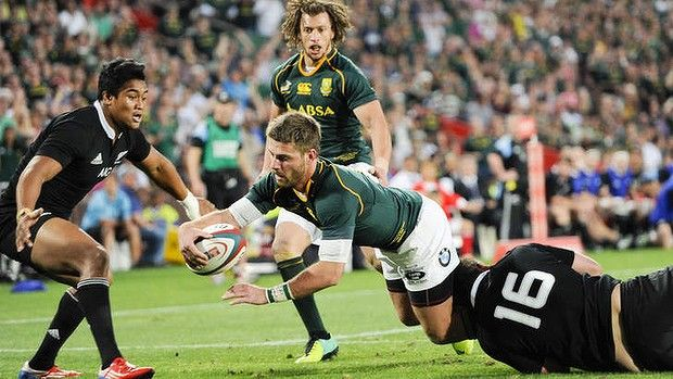 South Africa winger Willie le Roux crosses for a try. Photo: AFP