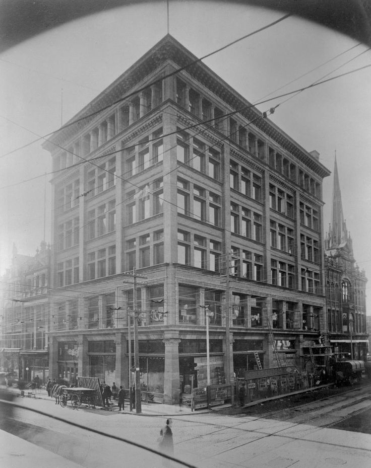 The old Robert Simpson flagship store in Toronto, 1895