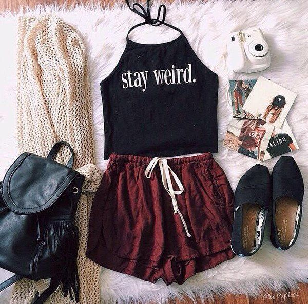 Black high-neck halter top, brown shorts, knitted sweater and black canvas shoes - http://ninjacosmico.com/17-hipster-outfits-try-spring/