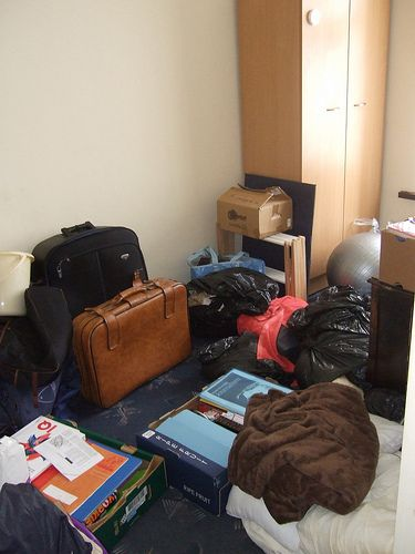 Best 25  Unpacking after moving ideas on Pinterest   Moving house boxes   Moving packing tips and Moving hacks. Best 25  Unpacking after moving ideas on Pinterest   Moving house