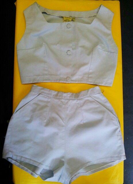 Original 1940's 2-Piece Beachwear Set comprising of High-Waisted Shorts & Box Crop Top!!! LOVE!!!