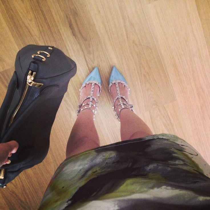 Valentino studded mint pumps and Prada Hobo Bag! #Valentino #studded #Prada  Rent it at www.metoyoubag.com!