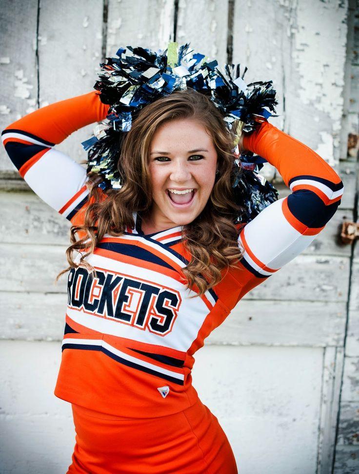 Senior cheerleader picture idea/pose