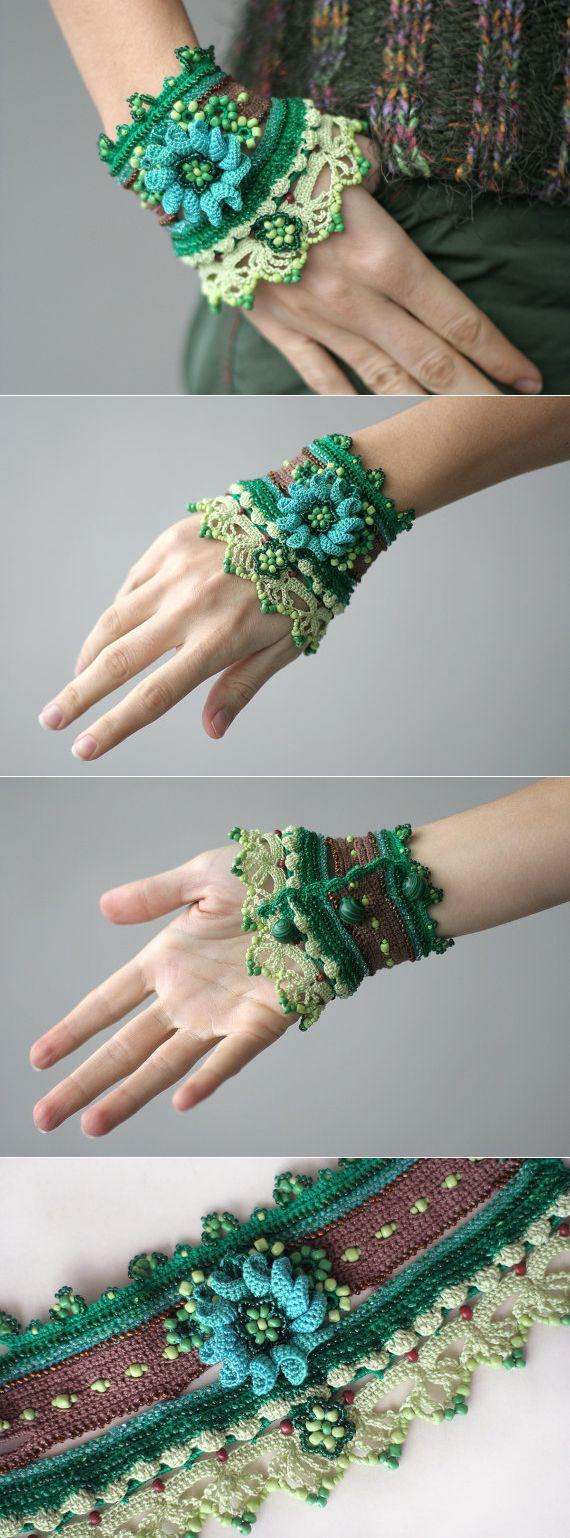 Dos Gardenias Para Ti crochet cuff with crocheted от ellisaveta