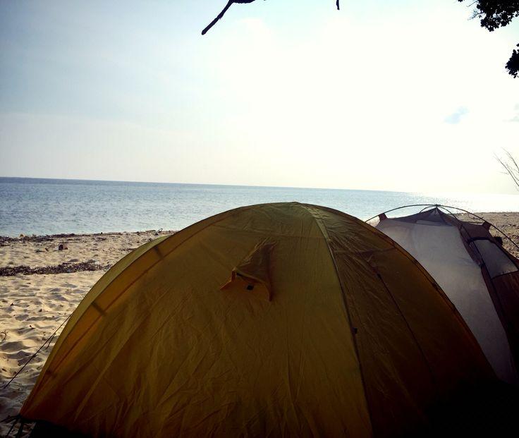 Vitamin Sea . Yu Island, Indonesia.