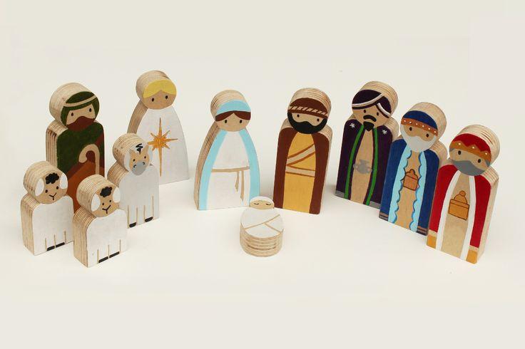 Wooden Nativity Set 11 wooden pieces