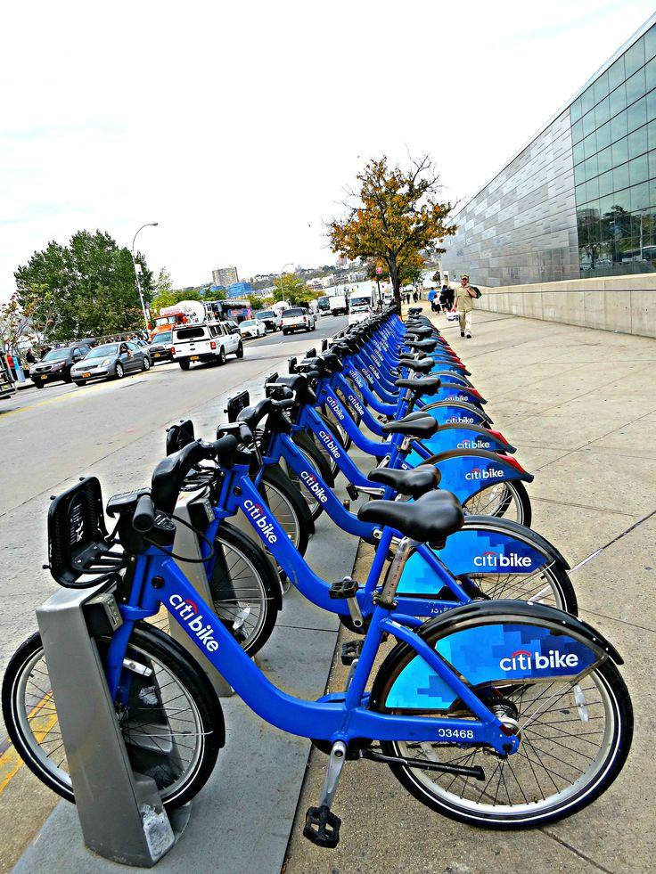 Citi bike rental and dropoff station 34th street and