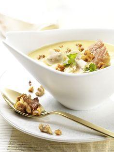 Kartoffel-Champignon-Suppe mit Walnüssen