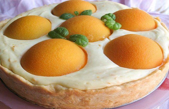 Chcete-li uspořádat malou oslavu bez zvláštní příležitosti, nebo prostě zavolat přátele na návštěvu a nevíte co upéct, máme pro Vás tip. Vychutnejte si voňavý a slaďoučký pamlsek, který připravíte snadno a bez větší námahy už za pár minut. Svěží broskvový dort je to nejlepší řešení na teplé dny. Co budete potřebovat 250 g polohrubé …