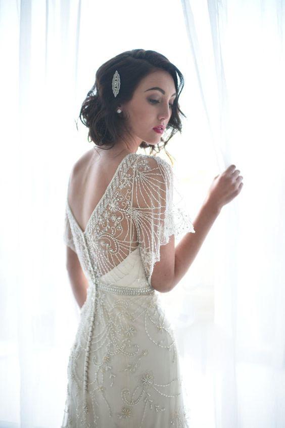 28 Sparkling Art Deco Style Wedding Dresses