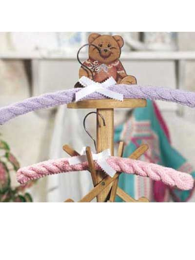 Love Love Love these! I think I'm about to join another knitting board. @Georgette Munson do you have a source for the hangers?