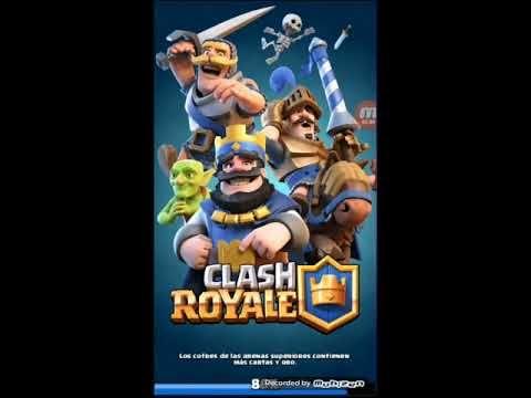 jugando partidas y abriendo cofres en clash royale