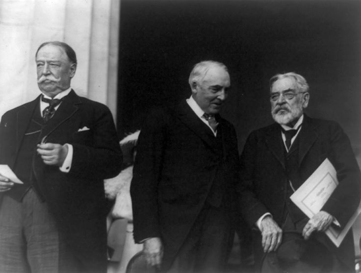 Taft, Harding, and Robert Todd Lincoln at the Lincoln Memorial dedication in 1922. It was the last major public appearance of Lincoln's son, who would die in 1926.