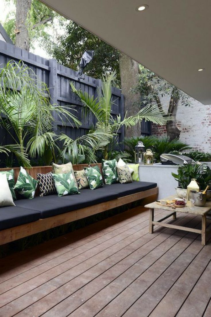 Amazing Outdoor Living Spaces To Inspire Tropical Outdoor Decor