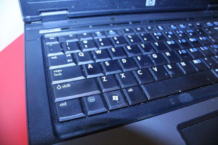 HP Computer Compaq 6715b AMD Turion 64X2 Microsoft Windows XP Laptop Parts Only #Compaq