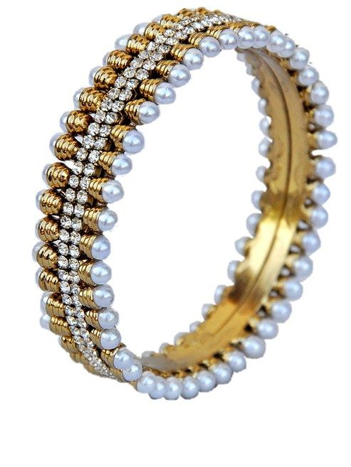 Maayra Adorable White Festive Wedding Bangles