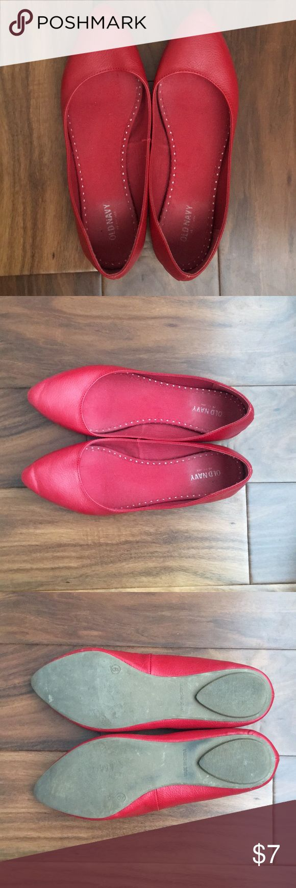 Old Navy women's red pointed toe flats size 9 Old Navy women's red pointed toe flats. Size 9. Fit true to size. Gently worn in great condition. Old Navy Shoes Flats & Loafers