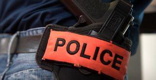 """Dans le """"viseur"""" : l'info sur tous les """"fronts"""" !: Un policier entre la vie et la mort après les atta..."""