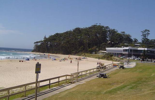 Beach holidays in Mollymook Beach. www.OzeHols.com.au/2  #BeachHolidays #MollymookHolidays #NSWHolidays