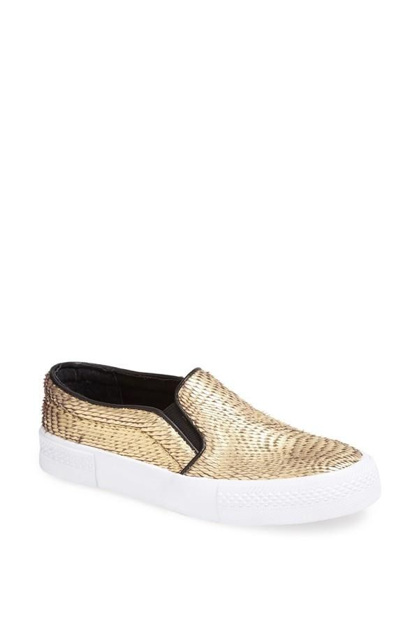 Love this gold sneaker | The Blonde Salad x Steve Madden