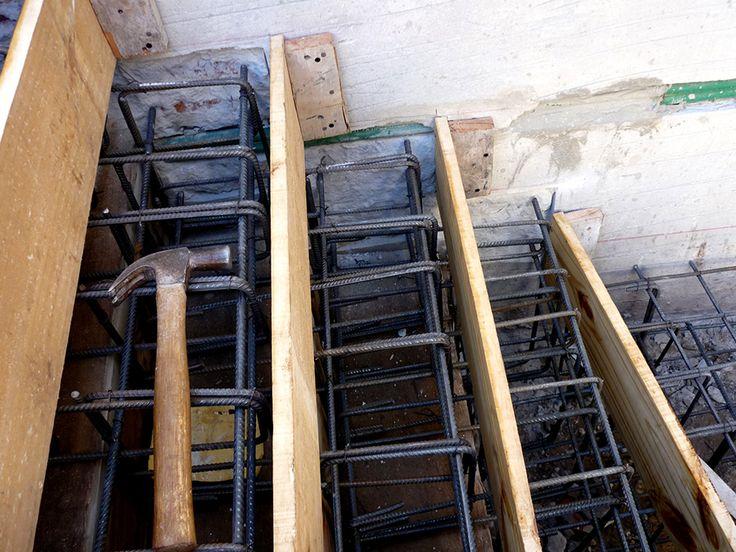 Armado de hierros para #escalera quebrada #EnObra #InProgress #arquitectura