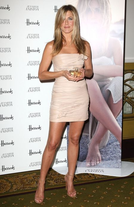 """Jennifer Aniston   Height: 5'5"""""""