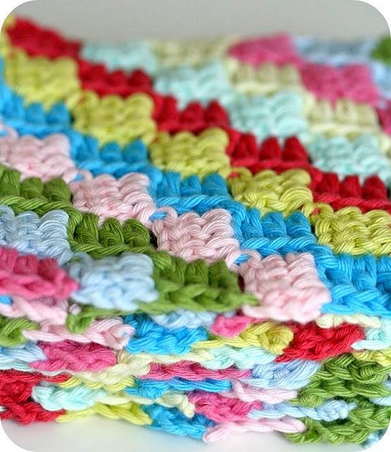 stripy crochet scarf - cute! That would look so sweet on three little girls