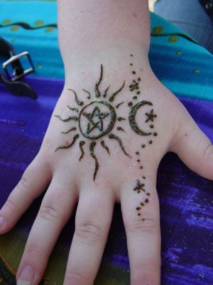44 best Moon And Star Henna Tattoo images on Pinterest ...