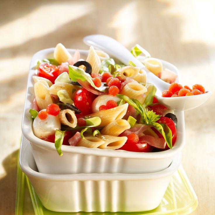 Découvrez la recette Salade de pâtes à l'italienne sur cuisineactuelle.fr.